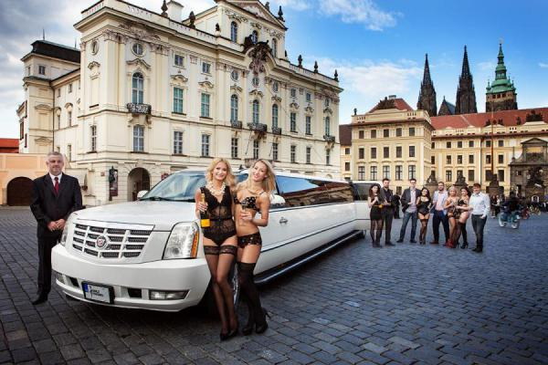 Cadillac Limo & Strip à Prague